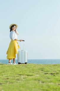 旅行を楽しむ女性の写真素材 [FYI02568172]