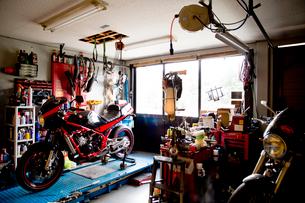 バイクのカスタムショップイメージの写真素材 [FYI02571104]