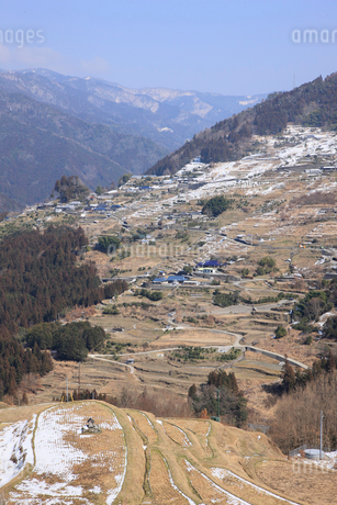 冬の山村の写真素材 [FYI02571446]