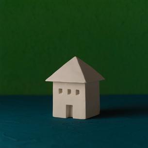 白い建物のオブジェ クラフトの写真素材 [FYI02588717]