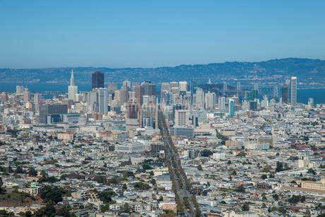 ツインピークスより望むサンフランシスコ市街 アメリカの写真素材 [FYI02595646]