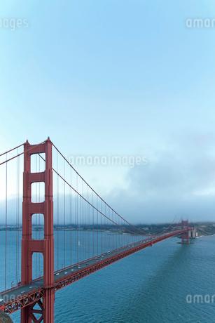 ゴールデンゲートブリッジ サンフランシスコ アメリカの写真素材 [FYI02595944]