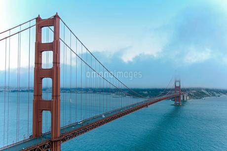 ゴールデンゲートブリッジ サンフランシスコ アメリカの写真素材 [FYI02595968]