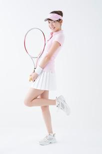 テニススタイルの女性の写真素材 [FYI02599251]