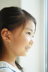 女の子の横顔の写真素材 [FYI02615544]