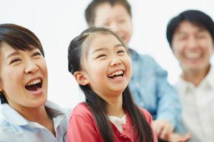 笑顔のファミリーの写真素材 [FYI02616413]
