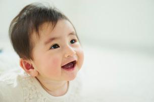 笑顔の赤ちゃんの写真素材 [FYI02616886]