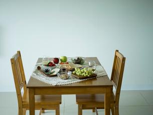 ダイニングテーブルの写真素材 [FYI02617179]