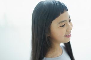 笑顔の女の子の写真素材 [FYI02620276]