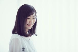 笑顔の女性の写真素材 [FYI02620422]