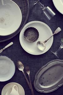 使い込んだ食器の集合の写真素材 [FYI02620692]
