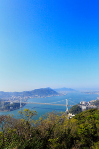 火の玉公園から望む関門橋の写真素材 [FYI02624426]