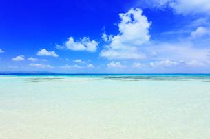 沖縄竹富島 コンドイビーチの海の写真素材 [FYI02626924]