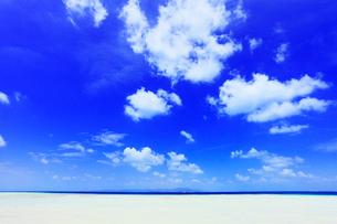 沖縄竹富島 コンドイビーチの海の写真素材 [FYI02626930]