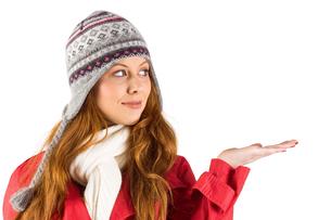 Pretty redhead in warm clothingの写真素材 [FYI02639521]