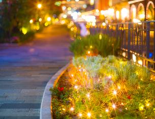 夕暮れの神戸ハーバーランド (X'Mas電飾)の写真素材 [FYI02641349]