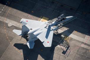 整備中のF-15  戦闘機の写真素材 [FYI02641639]