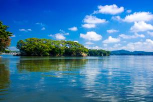 日本三景松島・福浦島より空映す松島湾と島々の写真素材 [FYI02641737]