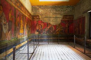 ポンペイ遺跡・秘儀荘の壁画の写真素材 [FYI02641890]