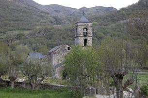 Sant Feliu Church, Barruera, Vall de Boiの写真素材 [FYI02642387]