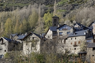 Santa Maria Church, village, houses, Taull, Vall de Boiの写真素材 [FYI02642599]