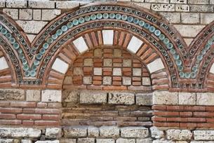 Archangels Michael & Gabriel's Church, ornamental archの写真素材 [FYI02642694]
