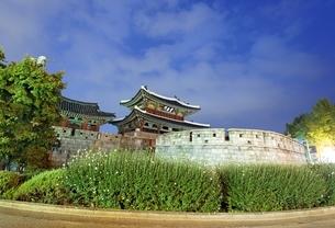 Pungnammun Gate, Jeonju, Koreaの写真素材 [FYI02642728]