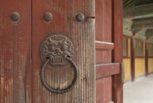 gate, Bulguksa Temple, Gyeongju, Gyeongsangbuk-doの写真素材 [FYI02643168]