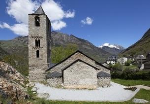 Sant Joan Church, Boi, Vall de Boi, Cataloniaの写真素材 [FYI02643195]