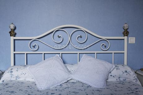 ホテルのベッドの写真素材 [FYI02643223]