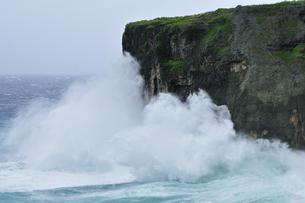 七又海岸 台風接近の写真素材 [FYI02643268]