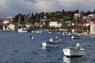 village, boats, Rogoznica, Dalmatia, Croatiaの写真素材 [FYI02643355]