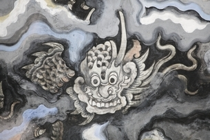 ceiling, paintings, dragon, Thien Dinh, main buildingの写真素材 [FYI02643578]