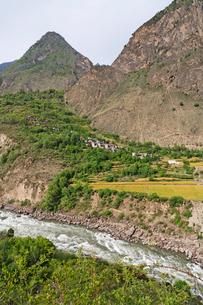 チベット族の村の写真素材 [FYI02643935]