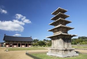 five-storey Baekje stone pagoda, Jeongnimsa Temple Siteの写真素材 [FYI02644045]