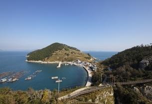 coast, houses, Yeonhwa Island, Gyeongsangnam-do, Koreaの写真素材 [FYI02644097]