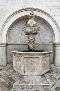 Little Onofrio's fountain, Dubrovnik, Dalmatia, Croatiaの写真素材 [FYI02644167]