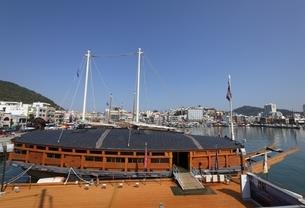 Turtle Ship, Tongyeong, Gyeongsangnam-do, Koreaの写真素材 [FYI02644345]