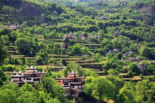 チベット族の村の写真素材 [FYI02644365]
