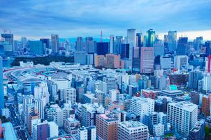 明石町から望む西南西方向のビル群と東京タワーの写真素材 [FYI02645817]