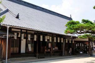 世界遺産・日本三景 夏の宮島大願寺の写真素材 [FYI02647633]