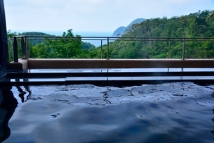 休暇村 竹野海岸露天風呂の写真素材 [FYI02647714]