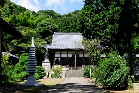 青井山安国高成禅寺境内の風景の写真素材 [FYI02647939]