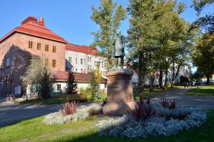 フィンランド国歌を作詞したルーネベリ像が有るルーネベリ公園の写真素材 [FYI02648042]