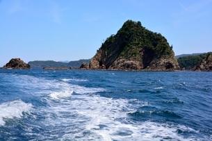 名勝,観光船で浦富海岸めぐり,太郎兵衛島の写真素材 [FYI02648054]