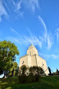 スオメンリンナ教会と雲の写真素材 [FYI02648754]