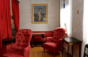 フィンランド国歌を作詞したルーネベリの家の室内の写真素材 [FYI02648868]