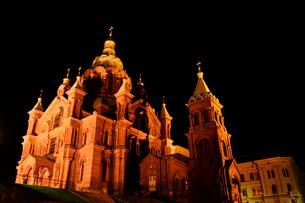 北欧最大規模ロシア正教会のウスペンスキー寺院ライトアップの写真素材 [FYI02648980]