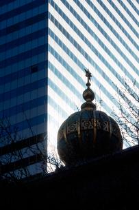 中央ユダヤ教会とシティコープビルの写真素材 [FYI02649762]