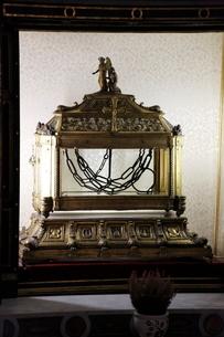 サン・ピエトロ・イン・ヴィンコリ教会 聖遺物 鎖の写真素材 [FYI02649797]